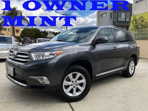 View 2013 Toyota Highlander
