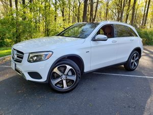 View 2016 Mercedes-Benz GLC 300 4MATIC