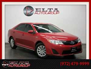 View 2013 Toyota Camry Hybrid