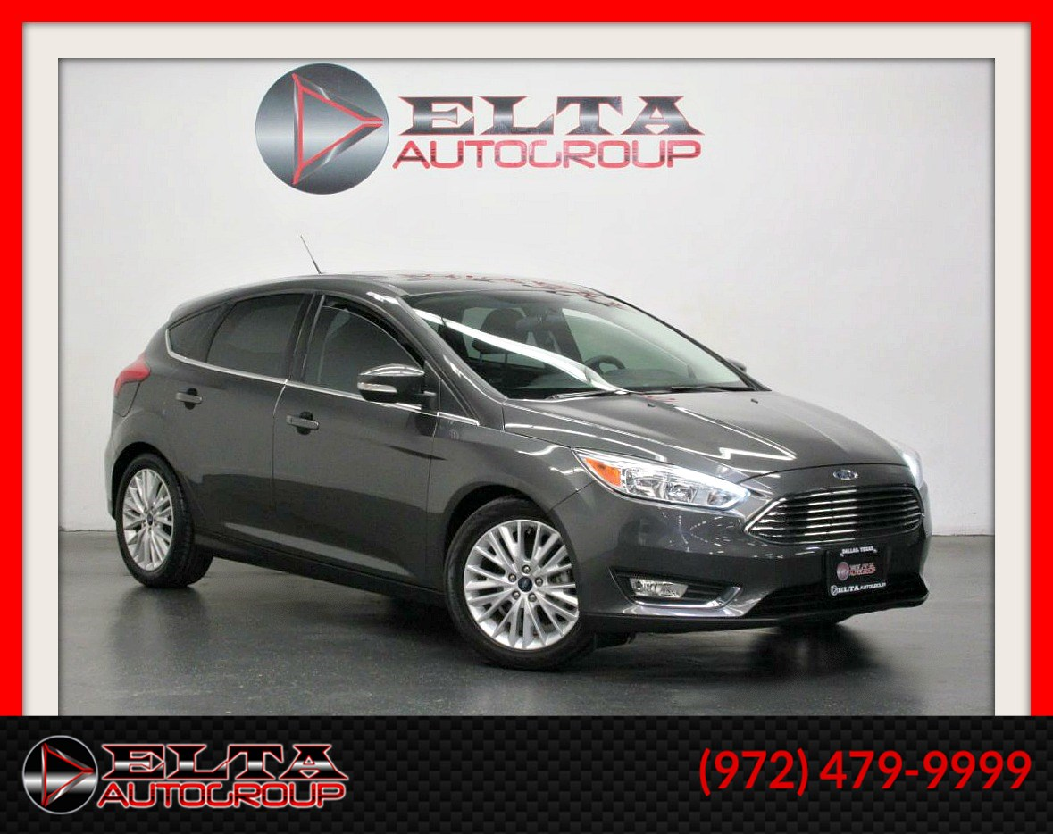 2016 Ford Focus Titanium * LEATHER * CAMERA * ROOF * 1 OWNER