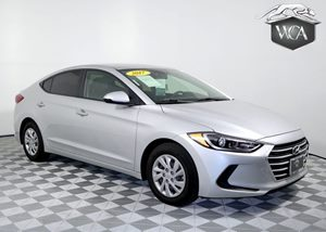 2017 Hyundai Elantra SE Carfax 1-Owner - No AccidentsDamage Reported 14 Gal Fuel Tank 4 Cylind