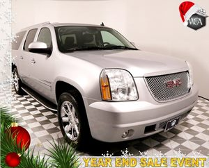 2013 GMC Yukon XL Denali Carfax 1-Owner - No AccidentsDamage Reported Entertainment System Rear