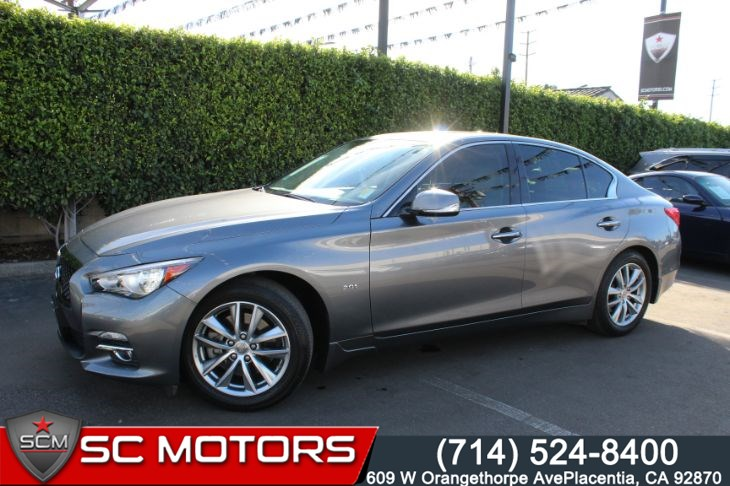 2017 INFINITI Q50 2.0t Premium (LEATHER SEATS & SUNROOF)