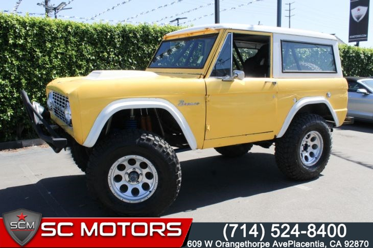 1966 Ford Bronco (BUCKET LEATHER SEATS & ROLL CAGE)