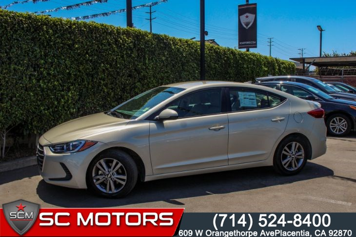 "2018 Hyundai Elantra SEL(16"" ALLOY WHEELS & APPLE CARPLAY)"