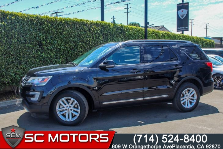 2017 Ford Explorer XLT(THIRD ROW SEATS, SYNC & REAR VIEW CAMERA)