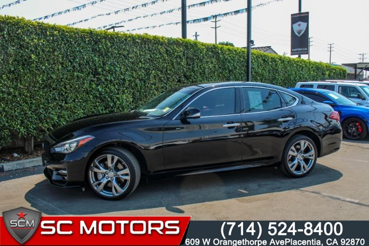 2017 INFINITI Q70S 3.7(SPORT PACKAGE & BOSE 10-SPEAKER AUDIO SYSTEM)