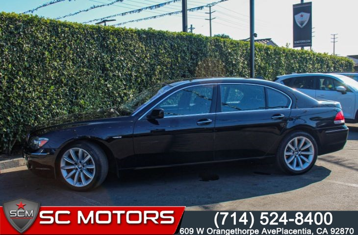 2007 BMW 7 Series 750Li(HEATED AND COOLED LEATHER SEATS & SUNROOF)