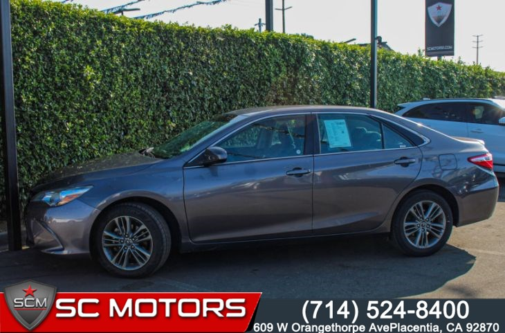 "2017 Toyota Camry SE(17"" ALLOY WHEELS, BLUETOOTH & BACK-UP CAMERA)"