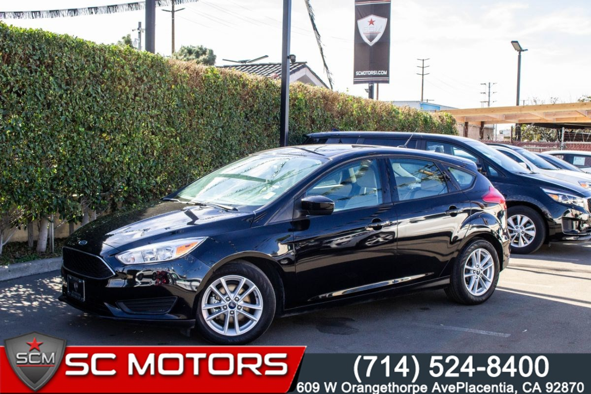 2018 Ford Focus SE Hatchback(SYNC WITH APPLINK & BACK-UP CAMERA)