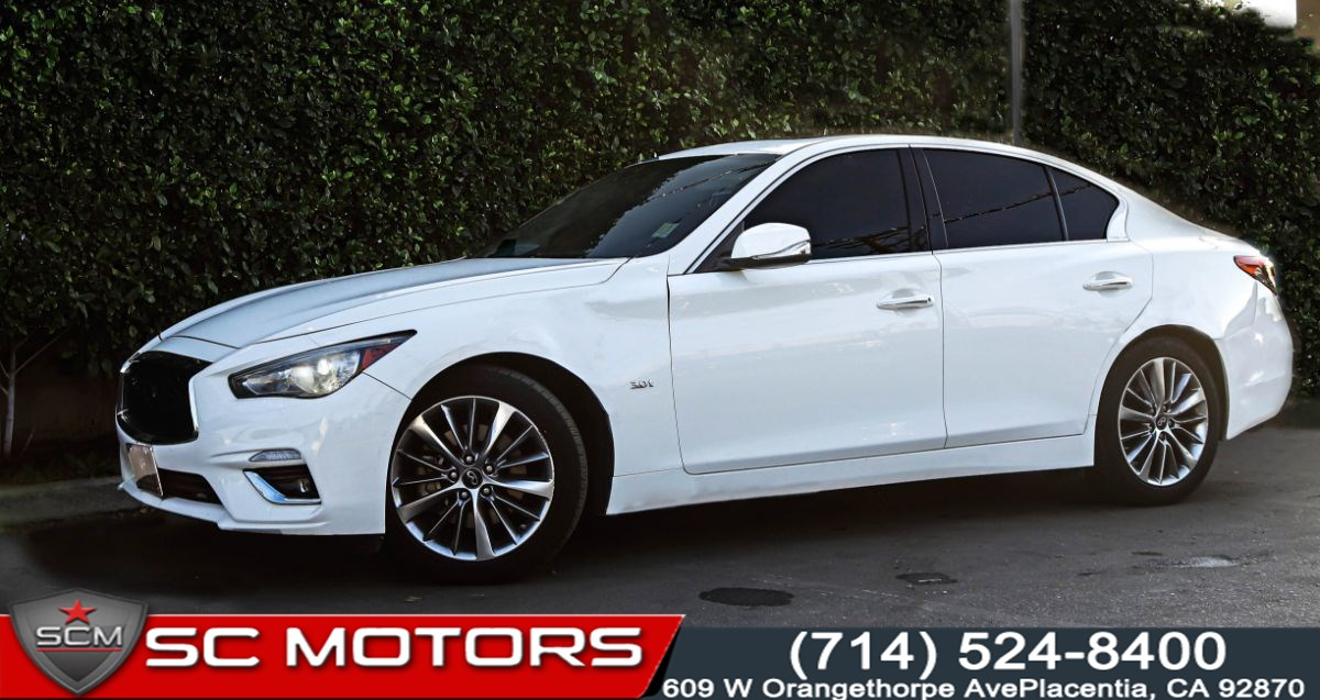 2018 INFINITI Q50 3.0t LUXE(POWER SUNROOF & BACK-UP CAMERA)