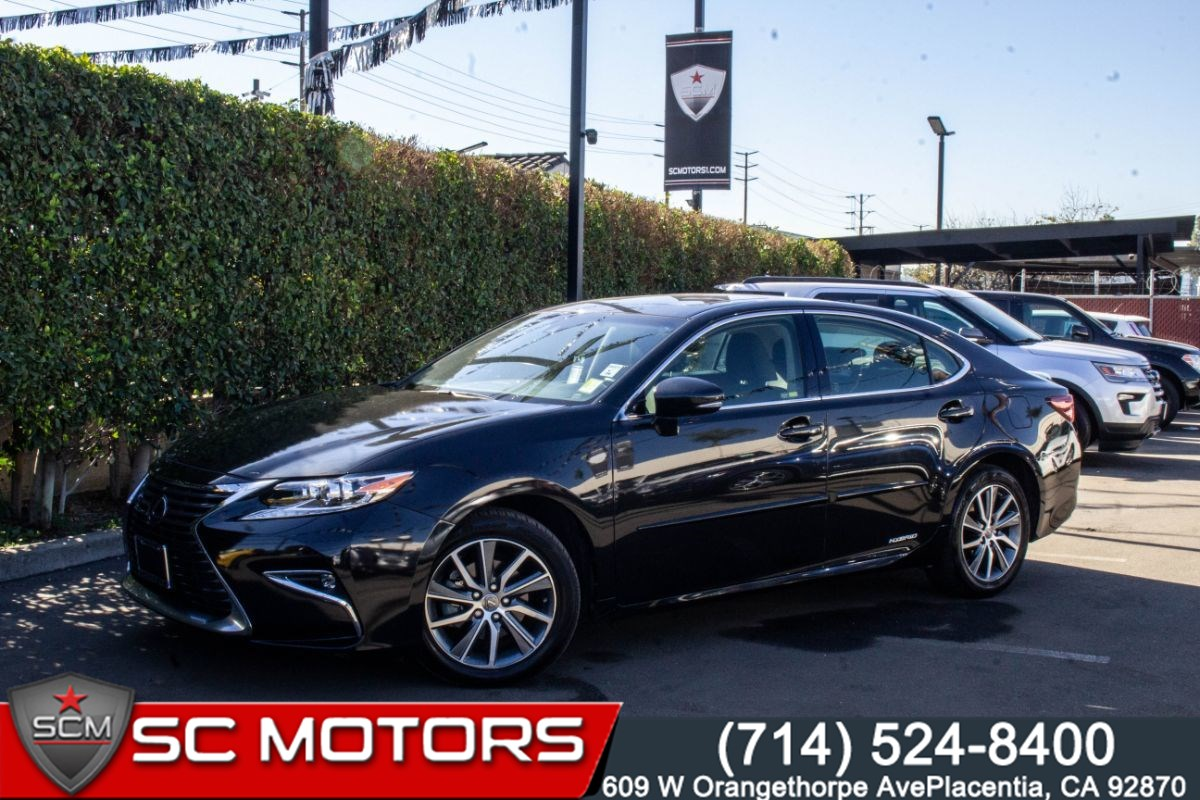 2018 Lexus ES 300h (HEATED & COOLED FRONT SEATS, NAVIGATION SYSTEM)