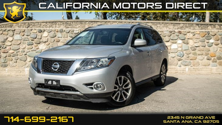 2015 Nissan Pathfinder SV (Backup Camera + 3rd Row Seating)