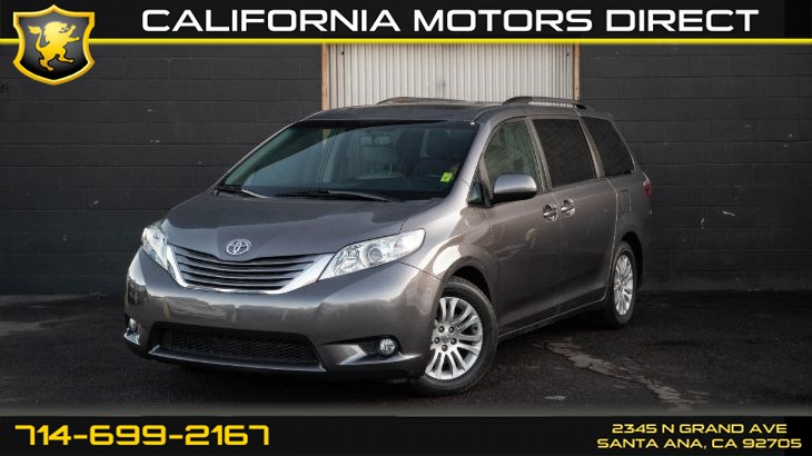 2016 Toyota Sienna XLE 7-Passenger Auto (Rear Entertainment Center)