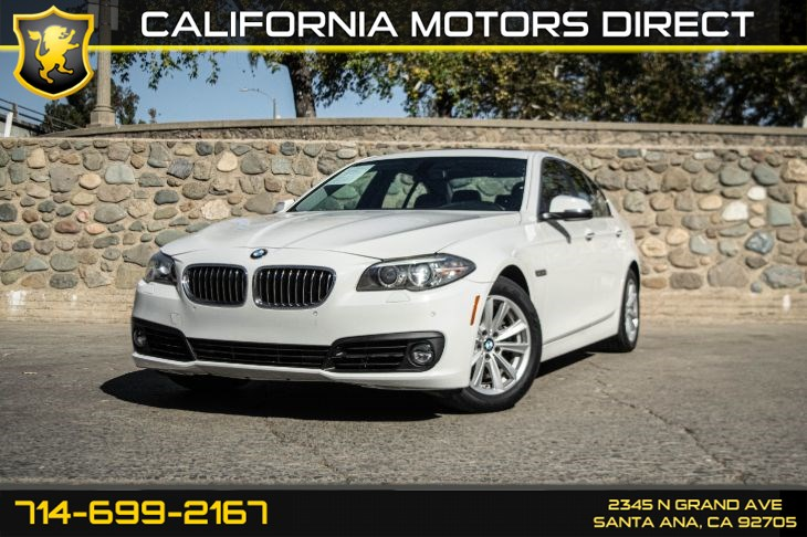 2015 BMW 5 Series 528i (Rear View & Heated Seats)