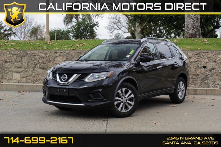 2016 Nissan Rogue SV (w/Back-Up Camera)