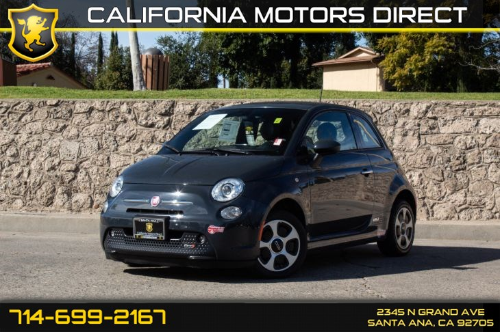 2017 FIAT 500e (w/BLACK/STEAM INTERIOR ACCENTS)