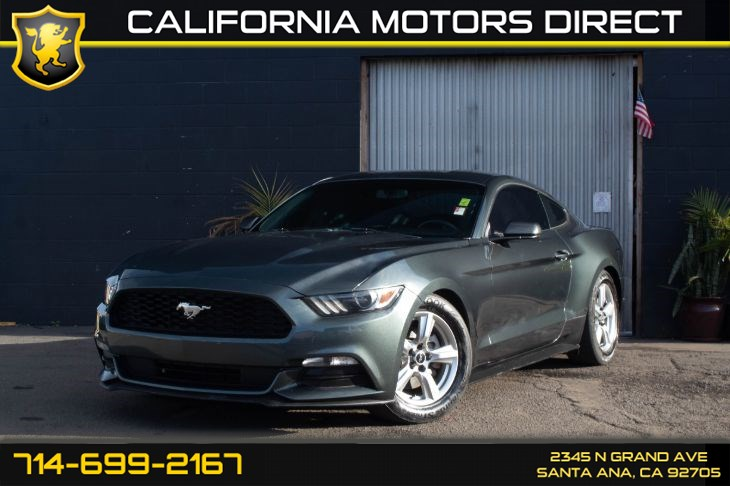2015 Ford Mustang V6 (W/BACK-UP CAMERA)