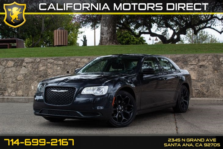 2019 Chrysler 300 Touring (w/SPORT APPEARANCE PACKAGE)
