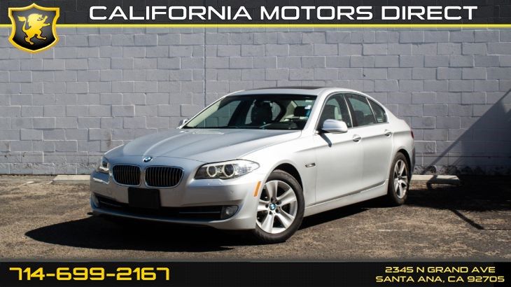 2013 BMW 5 Series 528i (w/Premium Package/Park Distance Control)