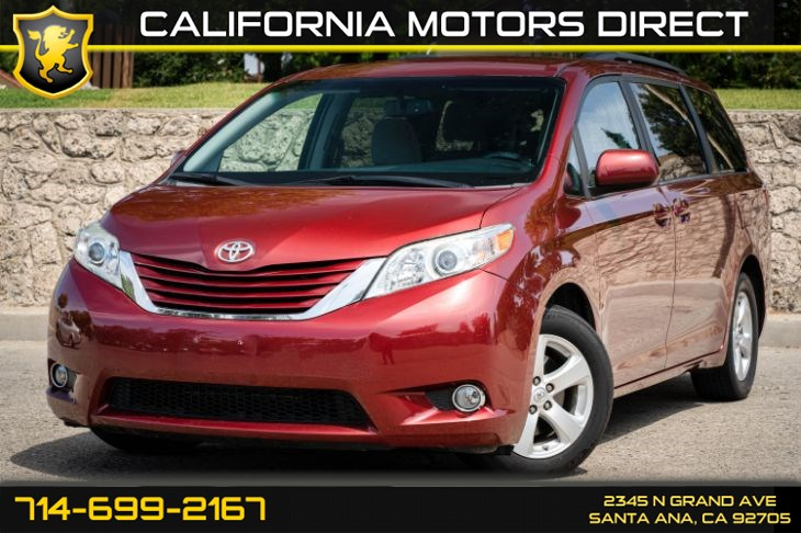 2015 Toyota Sienna LE (w/Cruise Control/Back-Up Camera)