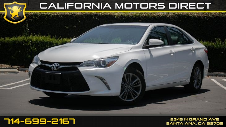 2017 Toyota Camry SE (w/Bluetooth/ Backup Camera)