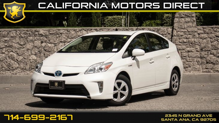 2015 Toyota Prius Four (w/ Keyless Start/ Bluetooth Connection)