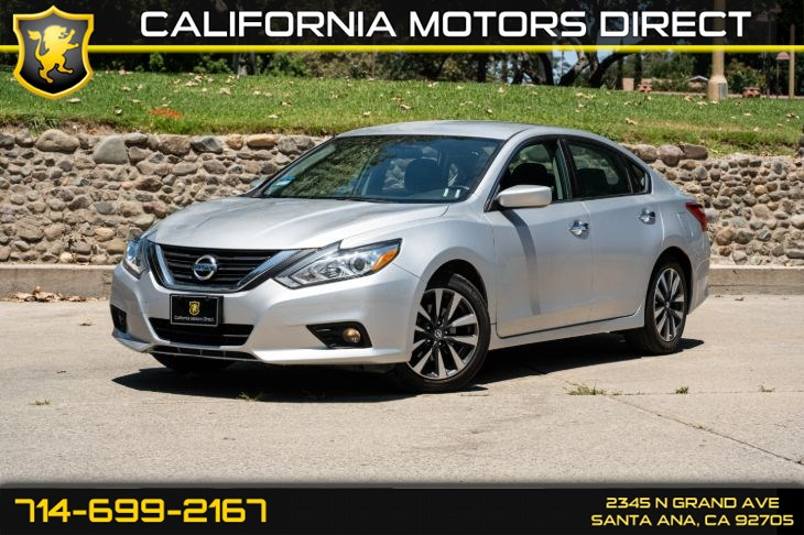 2017 Nissan Altima 2.5 SV  (w/Back-Up Camera/Bluetooth)