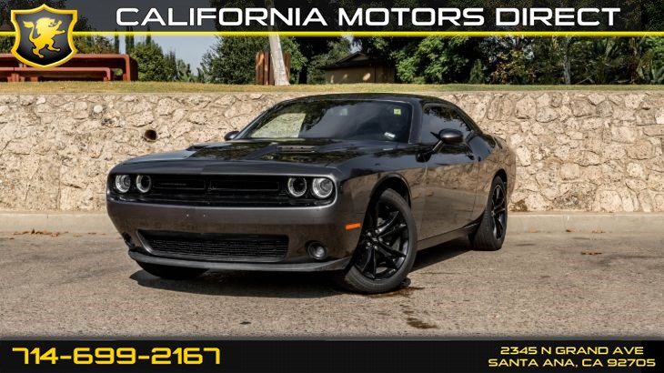 2018 Dodge Challenger (W/19 mpg City / 30 mpg Highway) (Light Tinted Gl)