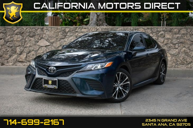 2018 Toyota Camry SE (w/Bluetooth/Back-Up Camera)