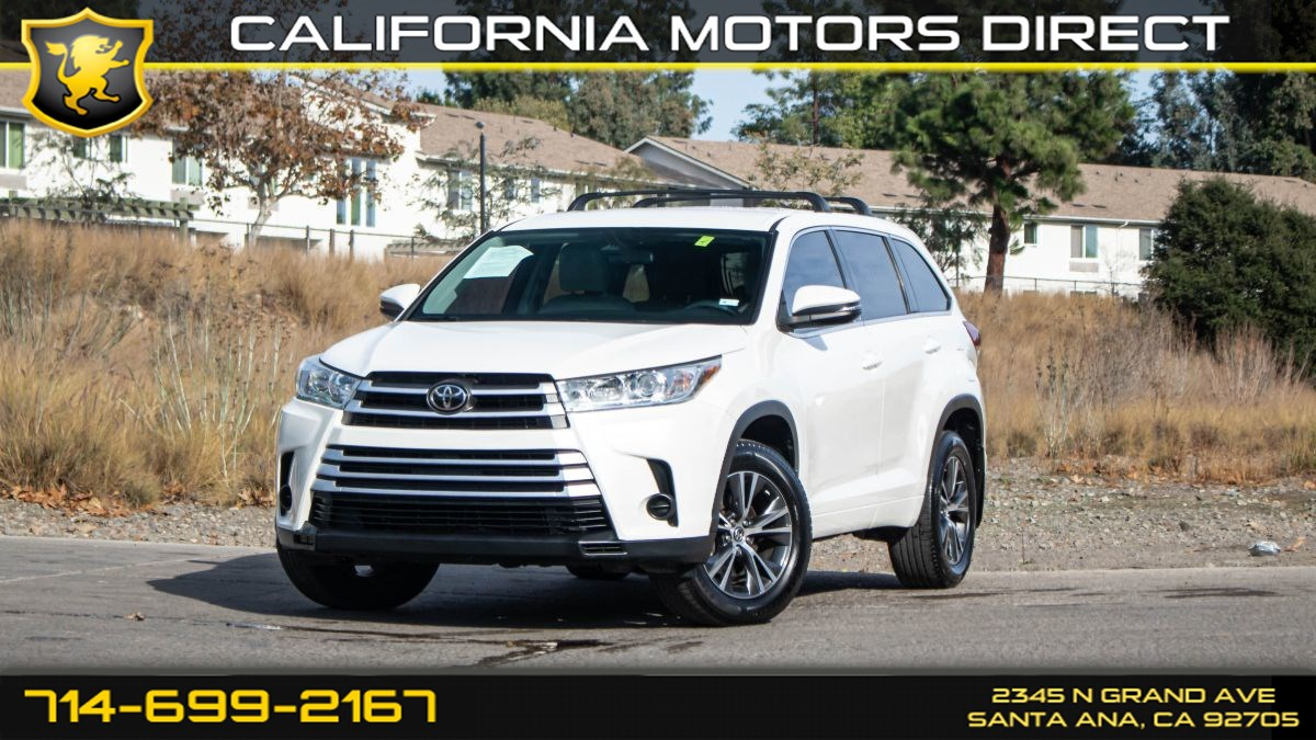 2017 Toyota Highlander LE (w/Bluetooth/3rd Row Seat)
