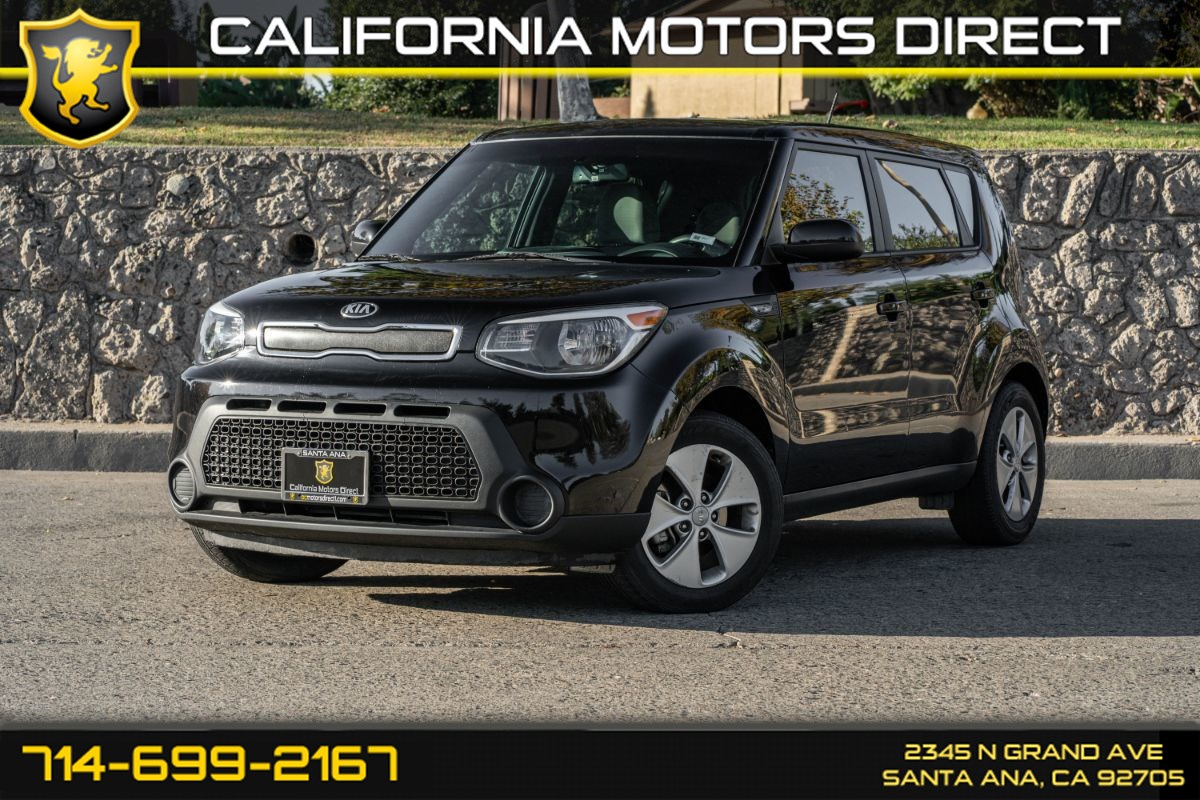 2014 Kia Soul Base (W/Back-Up Camera/Bluetooth)