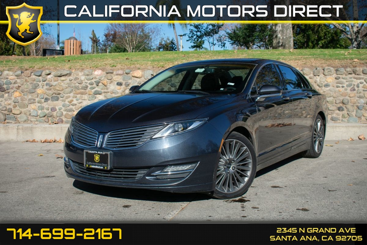 2013 Lincoln MKZ (w/Preferred Equipment Group/Moonroof)