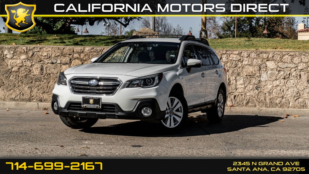 2018 Subaru Outback (w Deep Tinted Glass/ Back-Up Camera)