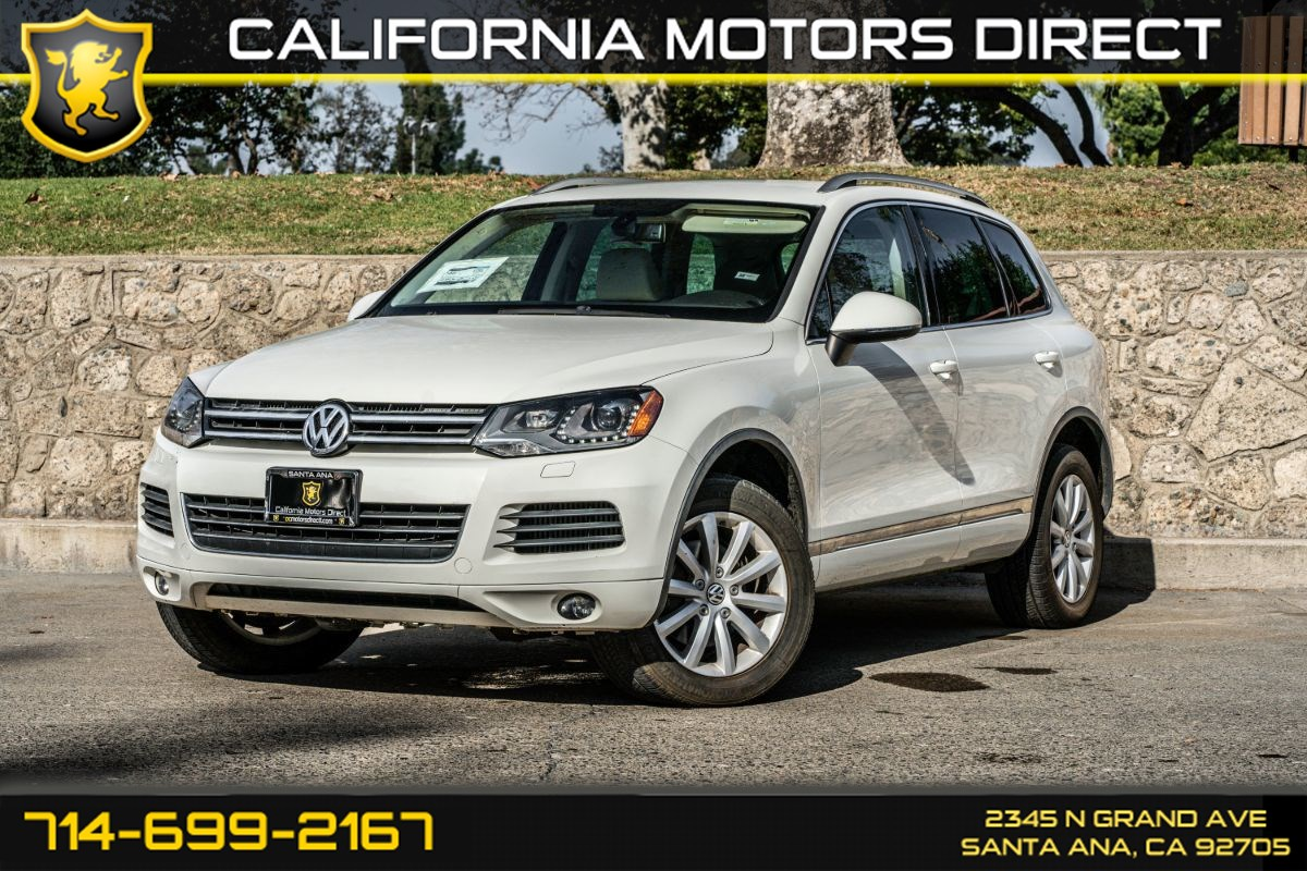 2011 Volkswagen Touareg Sport (W/Bluetooth/Back-Up Camera)