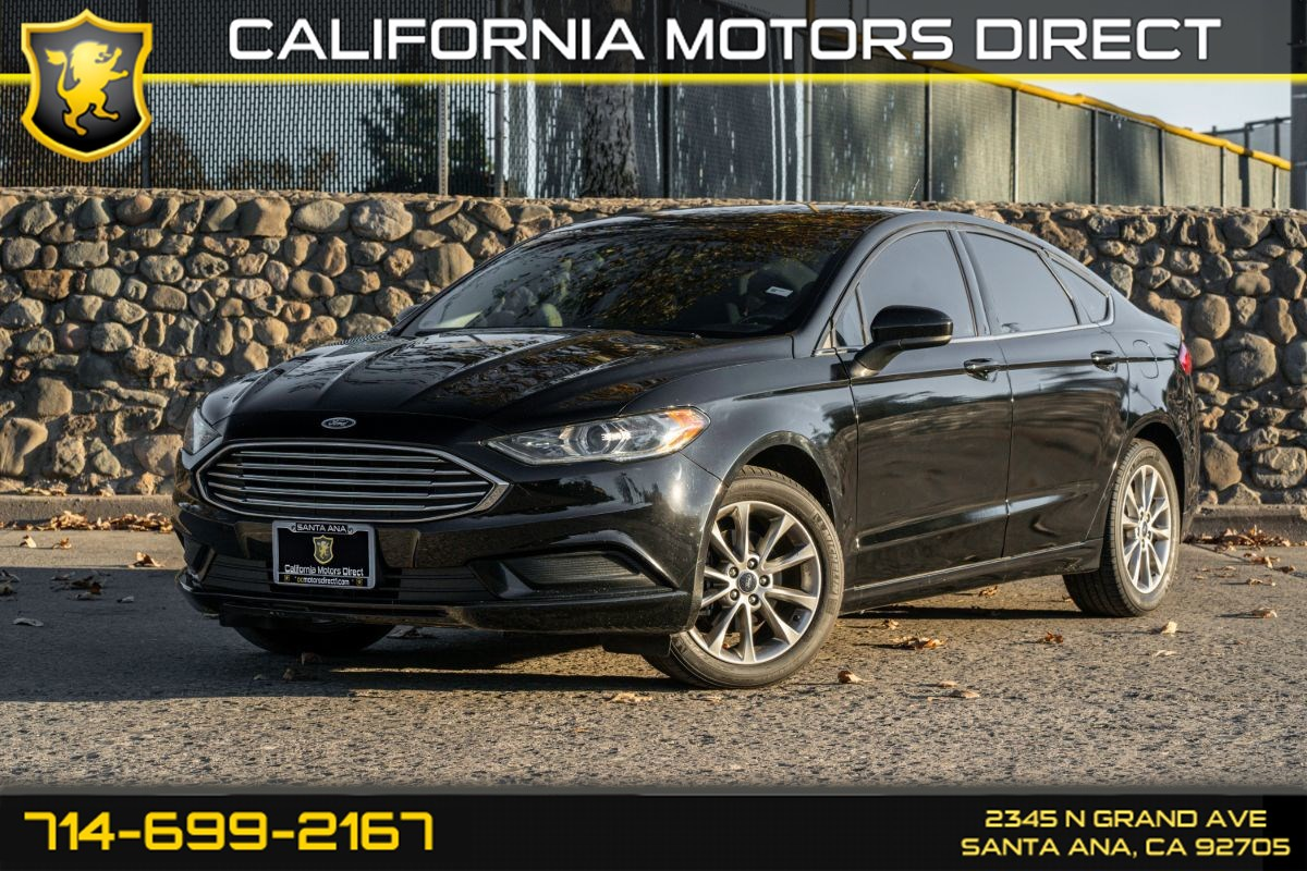2017 Ford Fusion SE (W/Bluetooth/Back-up Camera)
