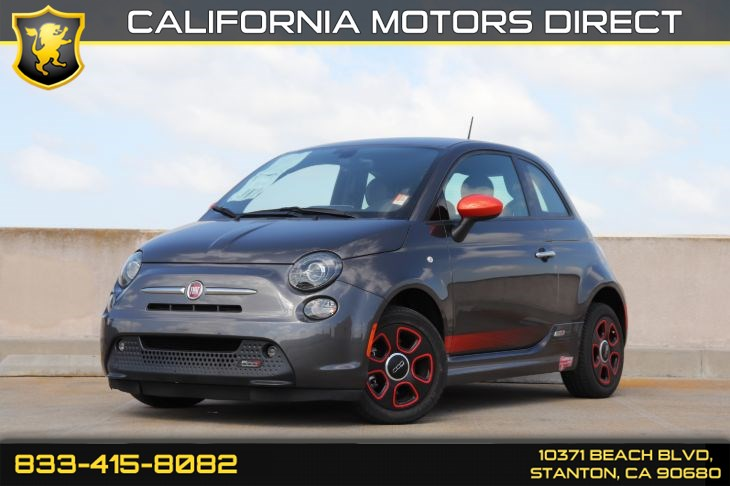 2017 FIAT 500e w/ Navigation & Front Heated Seat(s)