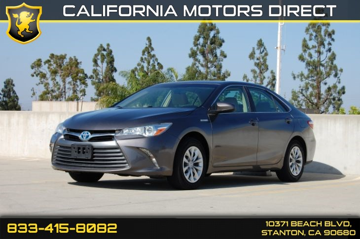 2015 Toyota Camry Hybrid LE (Backup Camera & Bluetooth Audio)