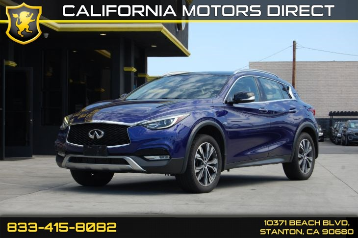 2017 INFINITI QX30 Premium (Panoramic Sunroof & Backup Camera)