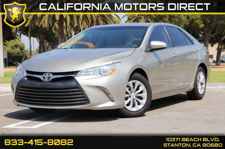 2015 Toyota Camry LE(Back-up Camera & Bluetooth)