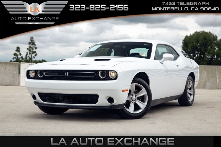 2018 Dodge Challenger SXT (Back-Up Camera & Bluetooth)