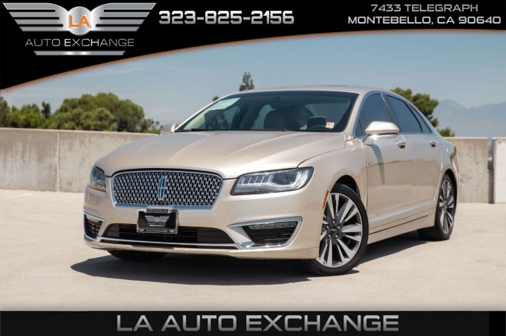 2017 Lincoln MKZ Reserve (power moonroof & navigation system)