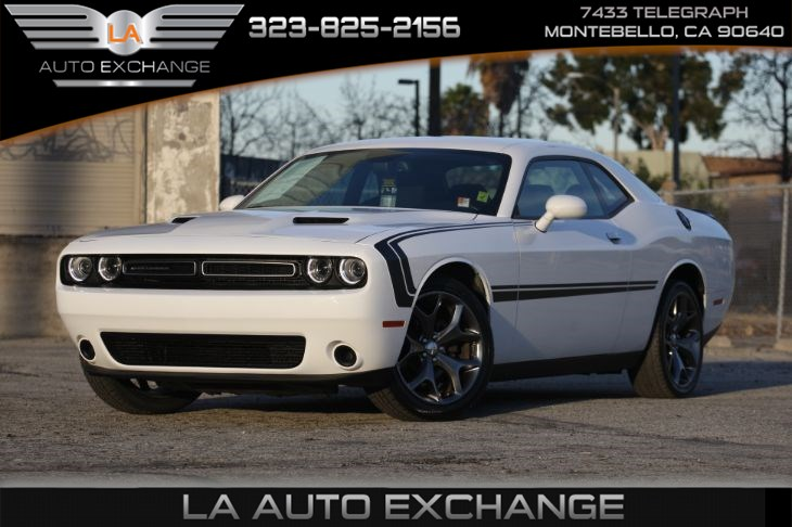 2016 Dodge Challenger SXT (BACK-UP CAMERA & BLUETOOTH)