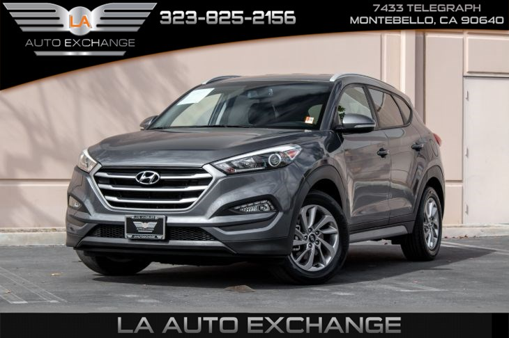 2017 Hyundai Tucson SE Plus (Back-Up Camera & Bluetooth)