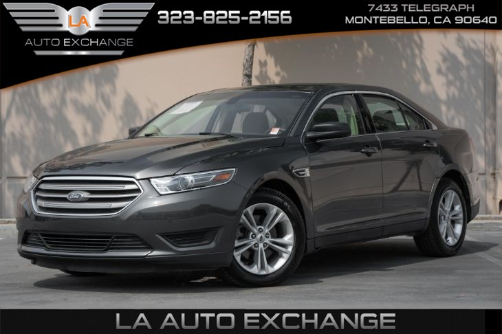 2017 Ford Taurus SE (Back-Up Camera & Bluetooth)