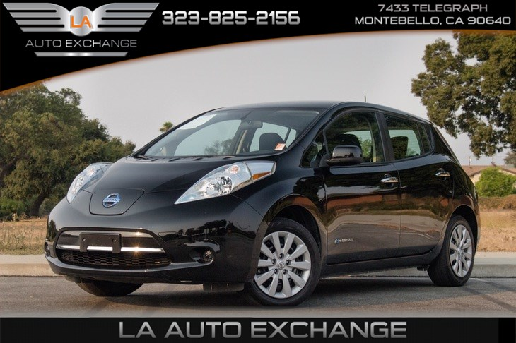 2017 Nissan LEAF S (Charger Package & Heated Seats)