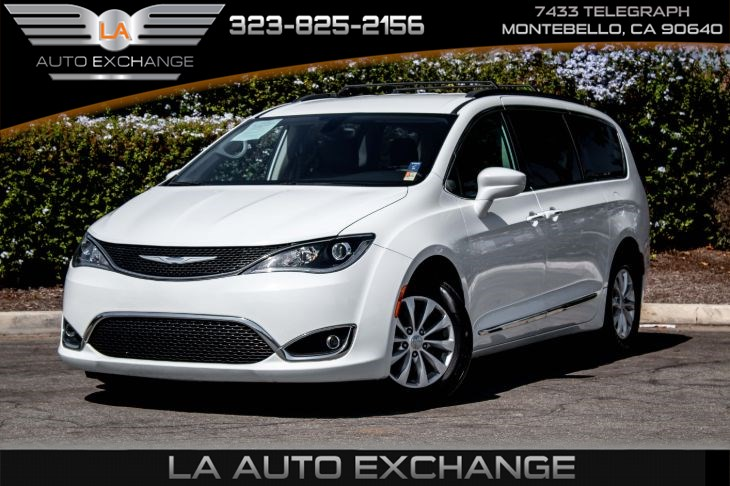 2017 Chrysler Pacifica Touring-L (DVD System & Remote Start System)
