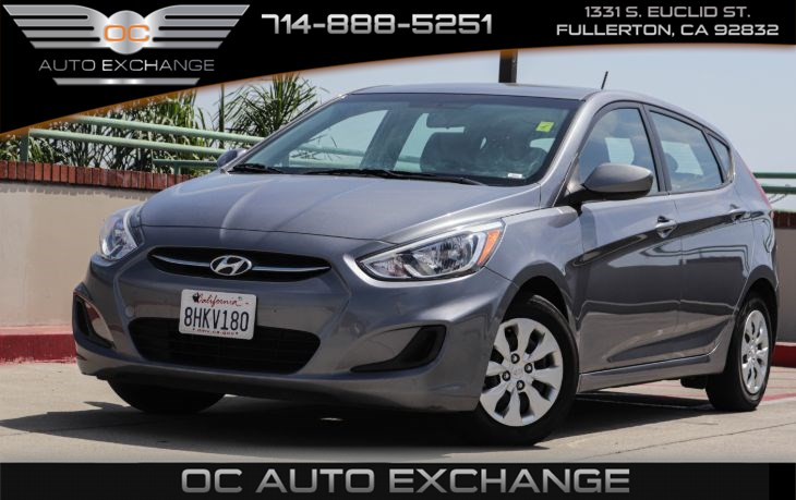 2017 Hyundai Accent HATCHBACK SE (6-SPEAKER AUDIO SYSTEM & DUAL VANITY MIRRORS)