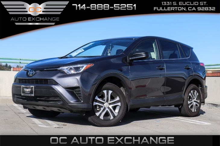 2018 Toyota RAV4 LE (ALL-WEATHER LINING PACKAGE & MUDGUARDS)
