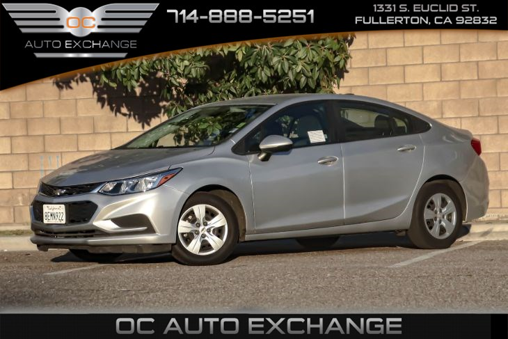 2018 Chevrolet Cruze LS (Bluetooth & Navigation)